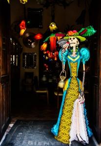 Porta de uma loja de artigos para decoração. Tlaquepaque, Jalisco, México